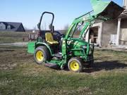 =$2750= 2009 John Deere 2320 4WD w/200CX Loader, Bucket,  Mower,